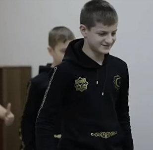 Кадыровдун уулдары казакстандык мушкер окуучунун чакырыгына жооп берди