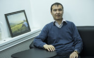 Бишкектеги жеке менчик мектептердин биринде англис тилинен мугалим болуп иштеген Ахмед Маманов