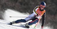 Кыргызстан Евгений Тимофеев соревнуется в мужском слаломе в альпийском центре Юнпион во время зимних Олимпийских игр Пхёнчан 2018 в Пхёнчане 22 февраля 2018 года