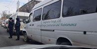 Три маршрутки столкнулись в центре Бишкека, есть пострадавшие — видео