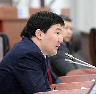 Архивное фото экс-депутата ЖК 6 созыва Асылбека уулу Дамирбека