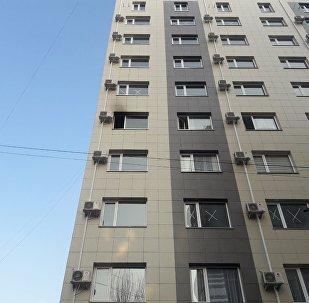 Бишкектин Түгөлбай-Ата жана Гоголь көчөлөрүнүн кесилишиндеги көп кабаттуу үйдүн 5-кабатындагы өрт