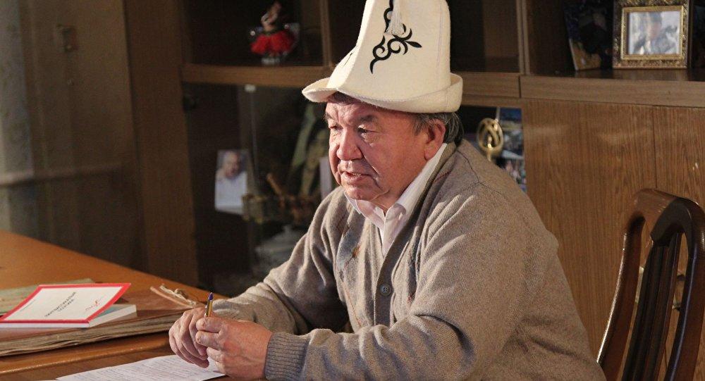 Бүгүн Кыргыз эл акыны Шайлообек Дүйшеевдин архивдик сүрөтү