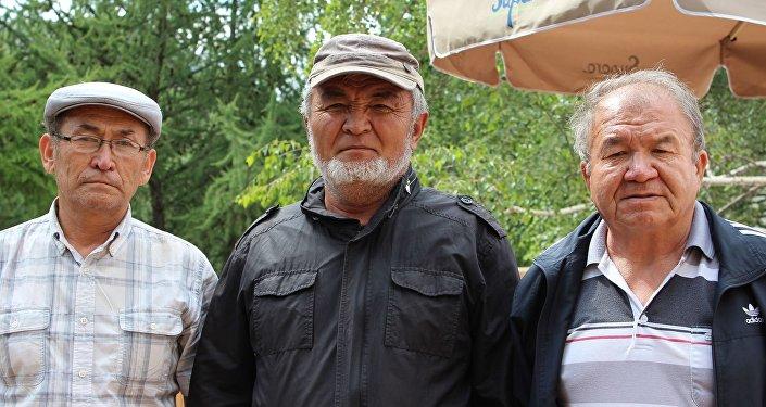 Сөз баккан Дүйшеев жакында улуу жазуучу Чынгыз Айтматов жөнүндө ырын жазып бүтөрүн айтты