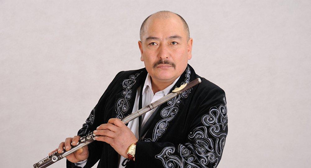 Белгилүү музыкант, КР эл артисти Курмангазы Азыкбаевдин архивдик сүрөтү