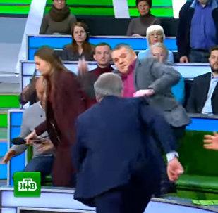 Ведущий НТВ подрался с экспертом в прямом эфире