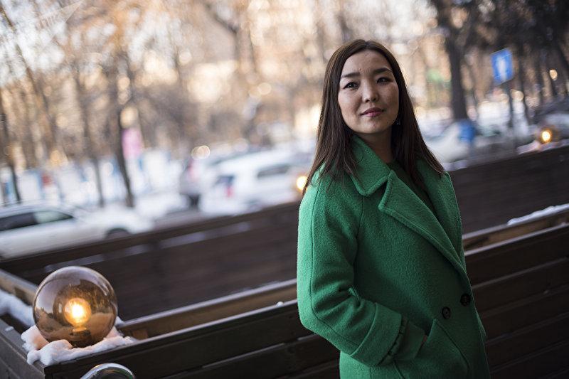 Редактор и ведущая радиостанции Европа плюс Алина Баженова во время интервью Sputnik Кыргзыстан