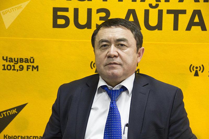 Главный кардиолог Министерства здравоохранения КР Акпай Сарыбаев во время интервью Sputnik Кыргызстан