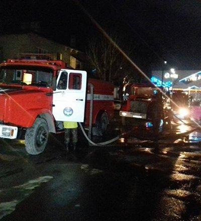 Бишкектеги Ретро-Метро түнкү клубунун жанындагы эс алуу борбору өрттөнүп жатканын ӨКМ билдирди