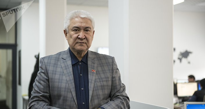 Заслуженный артист КР Темирлан Сманбеков