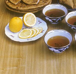 Чай с лимоном. Архивное фото