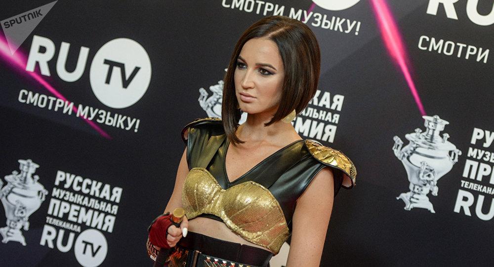 Ольга Бузова. Архивдик сүрөт