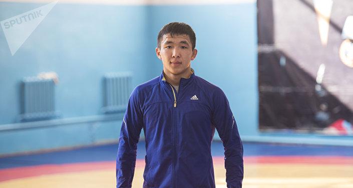 Архивное фото кыргызстанского борца греко-римского стиля, финалиста чемпионата Азии по борьбе Жоламана Шаршенбекова