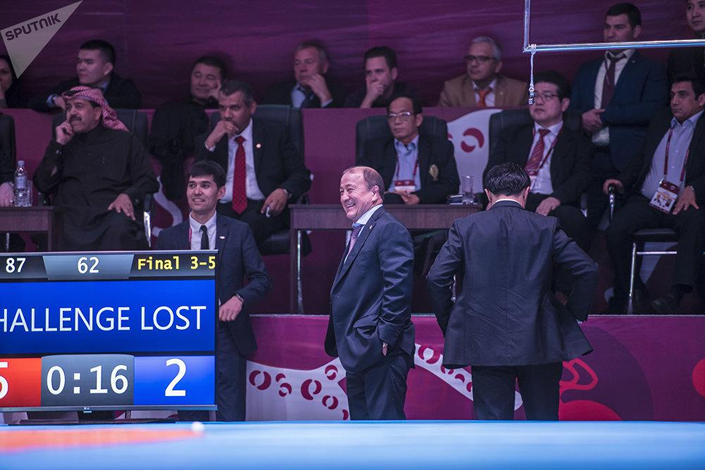 Бул кишинин ууртунан чанда гана күлкү көрүнөт... КРдин күрөш федерациясынын вице-президенти Мелис Турганбаев