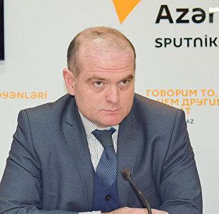 Профессор Азербайджанского государственного экономического университета, доктор экономических наук Эльшад Мамедов. Архивное фото