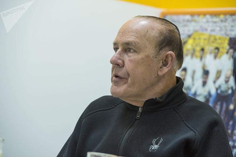 Американский специалист в области культуры сервиса, автор книг и обучающих программ, мотивационный спикер, бизнесмен Джон Шоул во время беседы Sputnik Кыргызстан