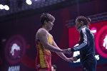 Белгилүү балбан Айсулуу Тыныбекова чемпионатка катыша албаса да, кыздарга дем-күч берип машыктыруучулукту аркалады