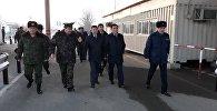 Вице-премьер Дайыр Кенекеев проинспектировал работу КПП Достук-автодорожный в Ошской области