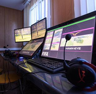 Система видеоповторов VAC во время тренировки арбитров и тестирования системы VAC. Архивное фото