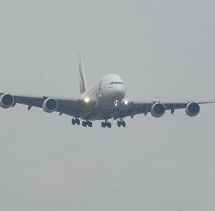 Приземление гигантских самолетов в шторм попало на видео
