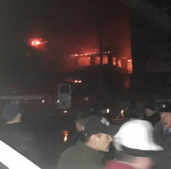 Крупный пожар на Ошском рынке