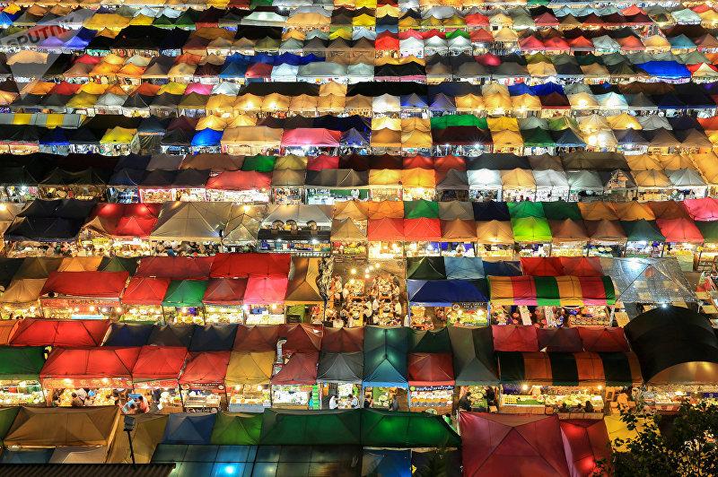 Ночной рынок в Бангкоке. Таиланд