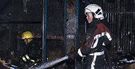 Бишкектеги өрт кызматкерлери. Архивдик сүрөт