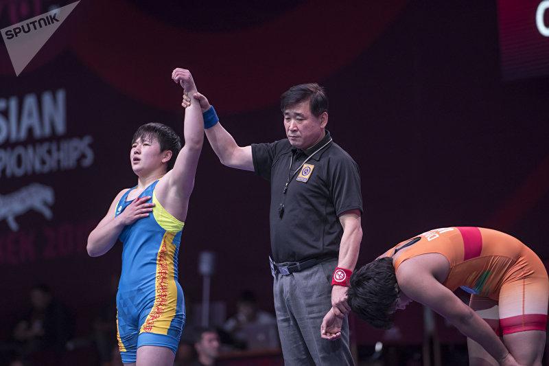 Борец Мээрим Джуманазарова (до 68 кг) одолела борца из Индии Диву Какран со счетом 12:6 и получила бронзу чемпионата Азии по женской борьбе.