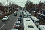 Центр Бишкека парализован — видео автомобильных пробок с дрона