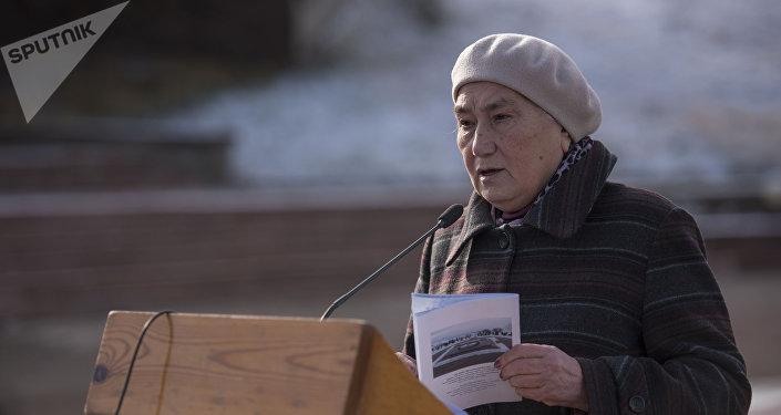 Дочь Торокула Айтматова, профессор Роза Айтматова