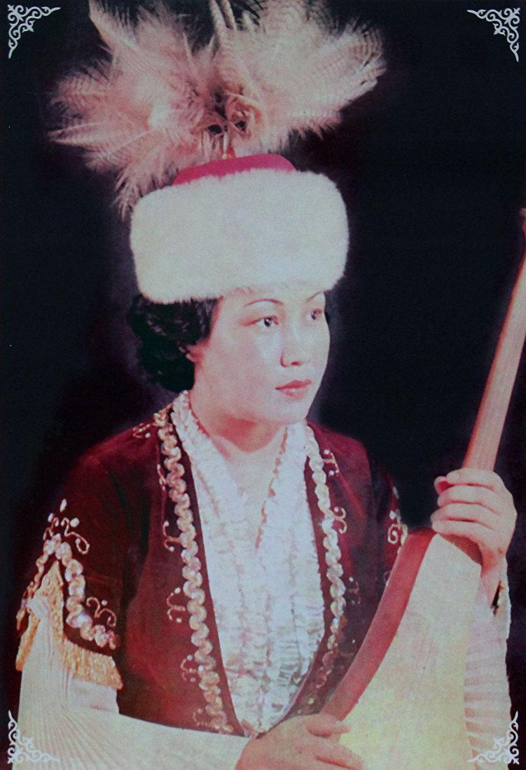 Народная артистка СССР Самара Токтакунова в молодости