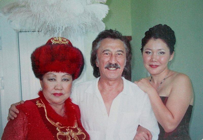 Руководитель группы Ялла Фаррух Закиров и Народный артист СССР Самара Токтакунова