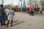 В Тогуз-Тороузском районе Джалал-Абадской области местные жители вышли на митинг против строительства нового завода по обработке добытого золота на месторождении