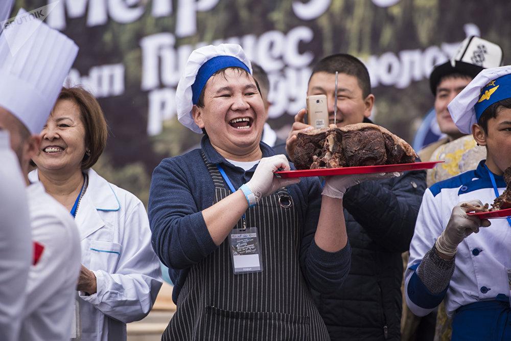 Кыргыздар илгертеден жигитти эт тууратып сынаган