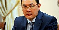 Архивное фото бывшего руководителя аппарата правительства Нурханбека Момуналиева