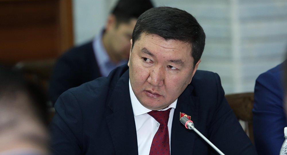 Депутат Бактыбек Райымкуловдун архивдик сүрөтү