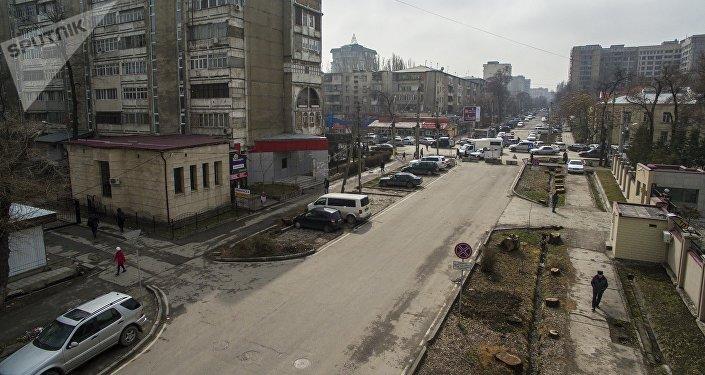 Вид на улицу Тыныстанова Бишкека. Архивное фото