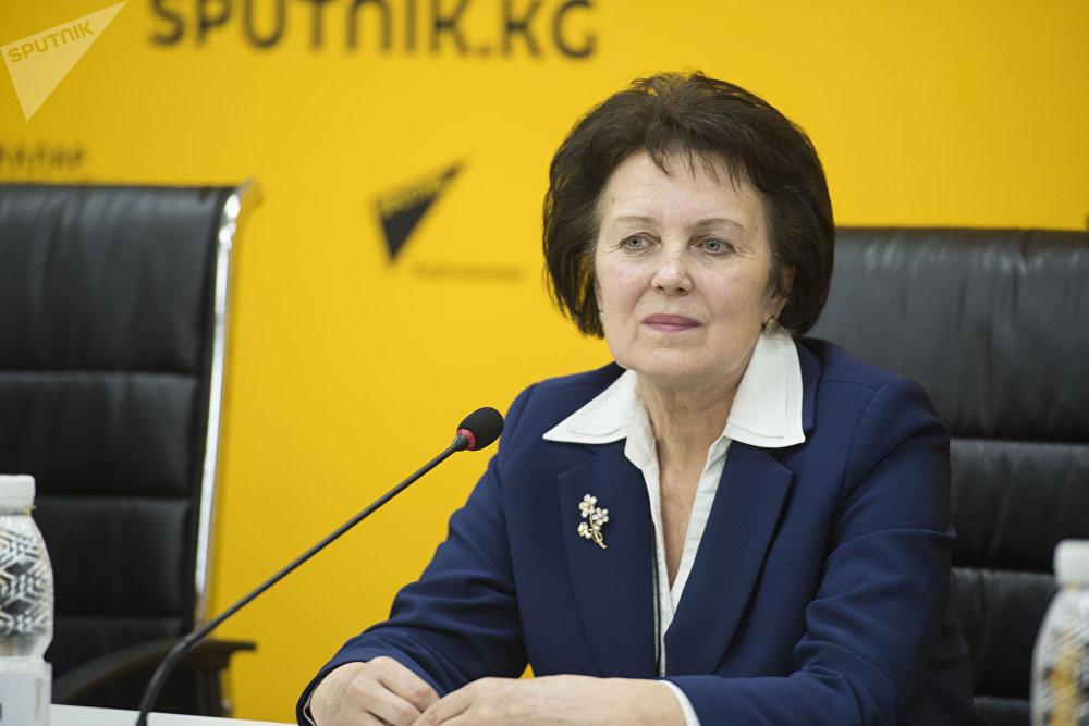 Завуч бишкекского эколого-экономического лицея №65 Ольга Якимовская