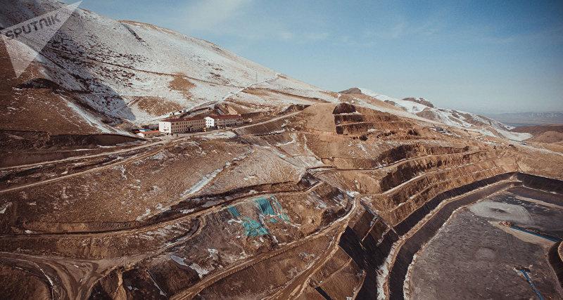 Карьер золотодобывающего предприятия Алтынкен
