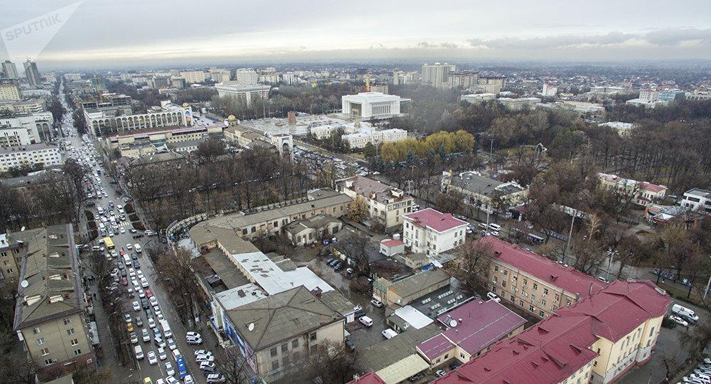 Вид на центральные улицы Бишкека с высоты. Архивное фото