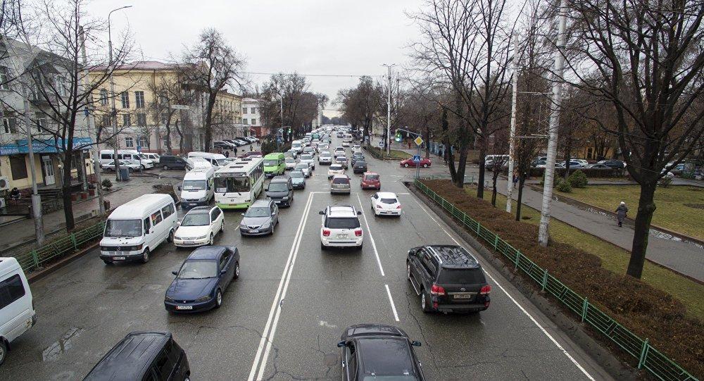 Общественный транспорт на проспекте Чуй. Архивное фото
