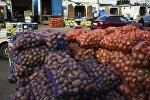 Картошка сатуу. Архивдик сүрөт