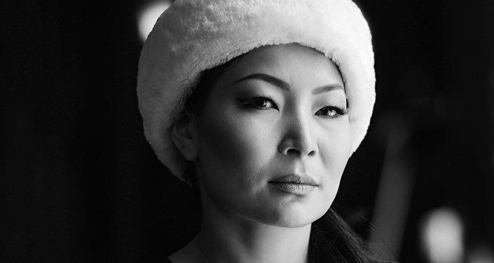 Рак илдетин жеңген кыргызстандык айымдардын укмуштай кулпурушу