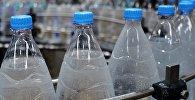 Вода в бутылках. Архивное фото