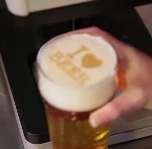 В США создали аппарат для печати на пене пива — видео