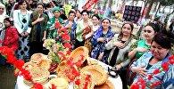 Ош шаарынын мэри Айтмамат Кадырбаев жетектеген чакан делегация кошуна Өзбекстандын Анжиян облусундагы Нооруз майрамына катышып келди
