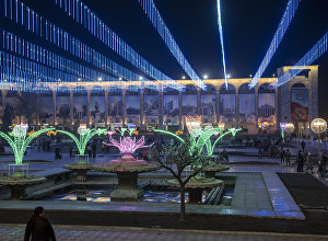 Подготовка к празднованию Нооруза на площади Ала-Тоо в Бишкеке