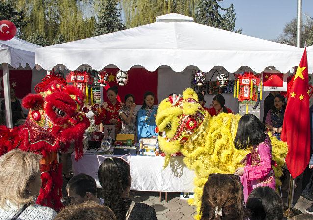Ежегодная благотворительная дипломатическая ярмарка Нооруз 2018 в Бишкеке