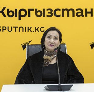 Заслуженная артистка КР Шайгуль Алсеитова в мультимедийном пресс-центре Sputnik Кыргызстан