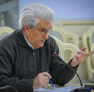Архивное фото эксперта по вопросам энергетики Николая Кравцова